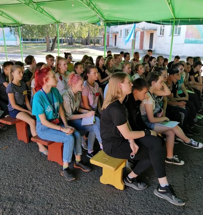 Бизнес, SMM и палаточный лагерь: как школьники проводят лето